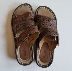 Earth brown leather sandals, 7.5